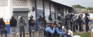 Policías reprimen a periodista, defensores de derechos humanos y ciudadanos que convocaron a manifestación pacifica