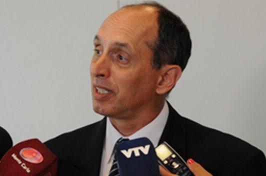 Empresa estatal denuncia penalmente a diario El País