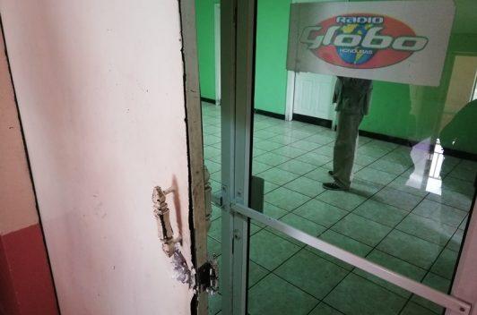 Fuerzas policiales imponen terror a periodistas de Radio Globo