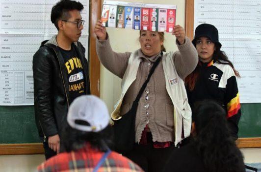 Elecciones en Bolivia:  reportero golpeado y dificultades de acceso