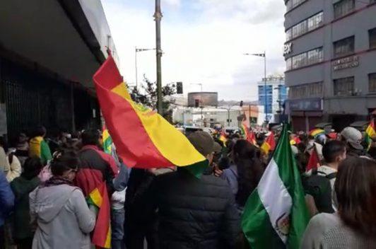 Periodistas bolivianos de medios estatales suspenden noticieros