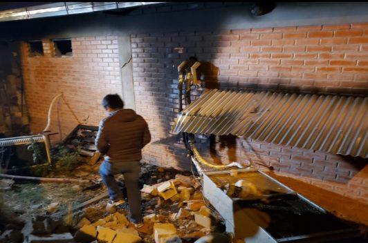 Incendian la planta de transmisión de un canal boliviano