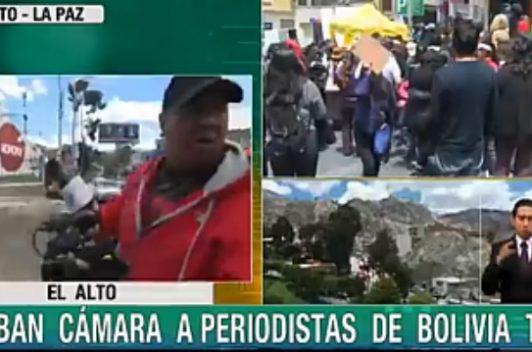 Bolivia: Golpean a periodistas de Tv estatal y queman su cámara