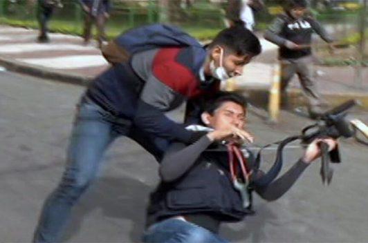 Periodistas bolivianos son agredidos